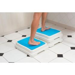 Marche pied d'accés au bain